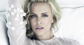 Charlize Theron's casual chic looks!
